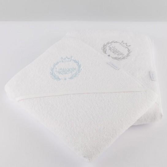 Zestaw ręczników z błękitnym i szarym haftem