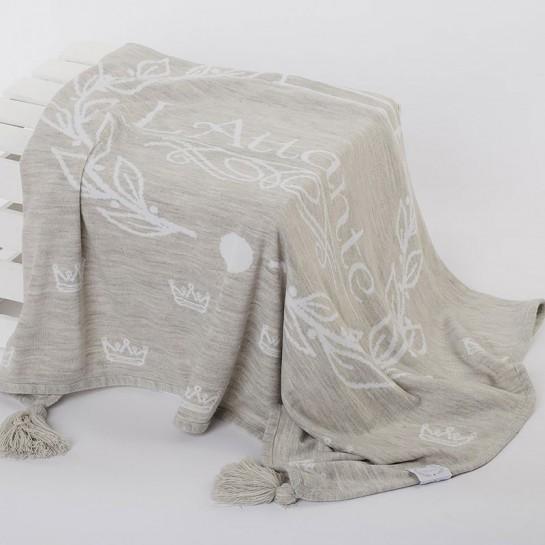 Kocyk tkany jasnoszary (narzuta)